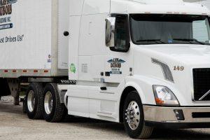 Winnipeg trucking image